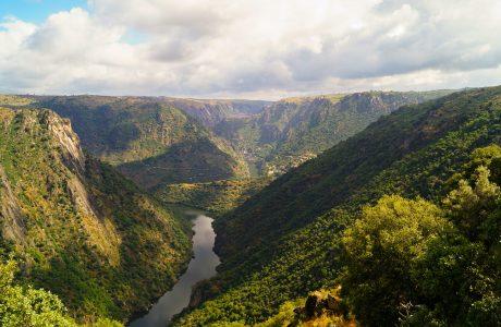 Arribes del Duero, río, montañas