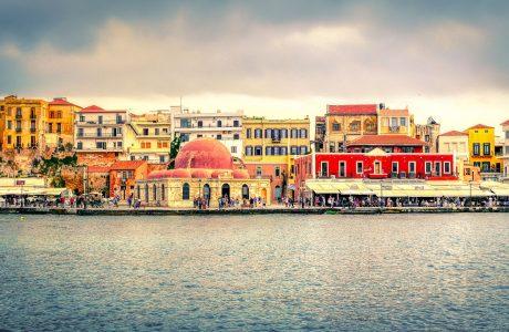 Creta puerto mar