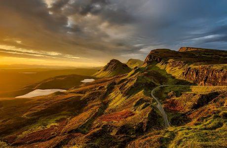 Anochecer de las montañas en Escocia
